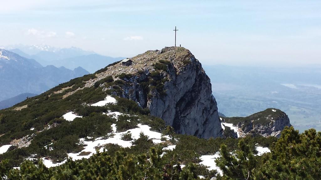 Bendediktenwand mit Gipfelkreuz