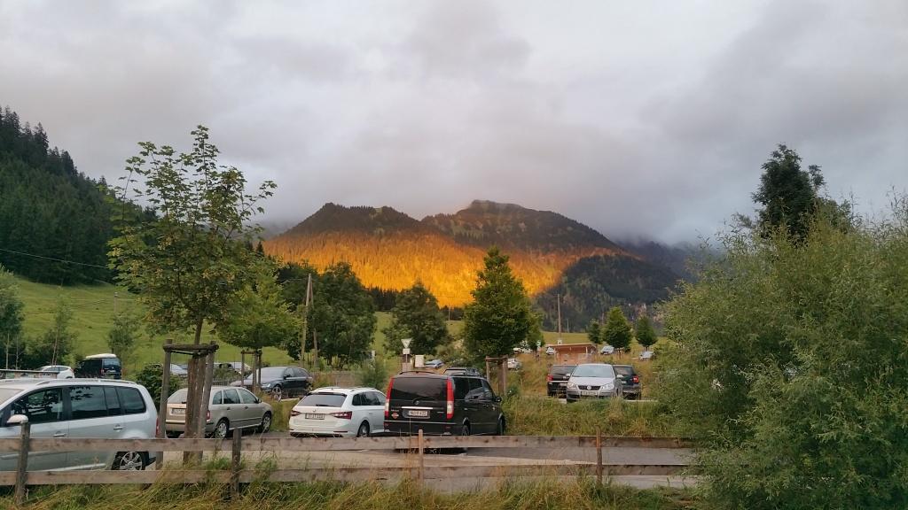 Gold in den Bergen vom Parkplatz Hinterstein