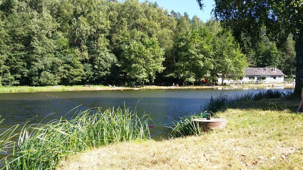 Naturbadesee beim Camping Fleckenstein bei Lembach