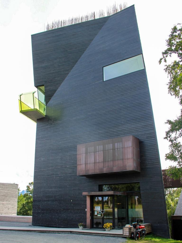 Das Hamsun-Zentrum in Hameroy - extrem wie der Literaturnobelpreisträger selbst.